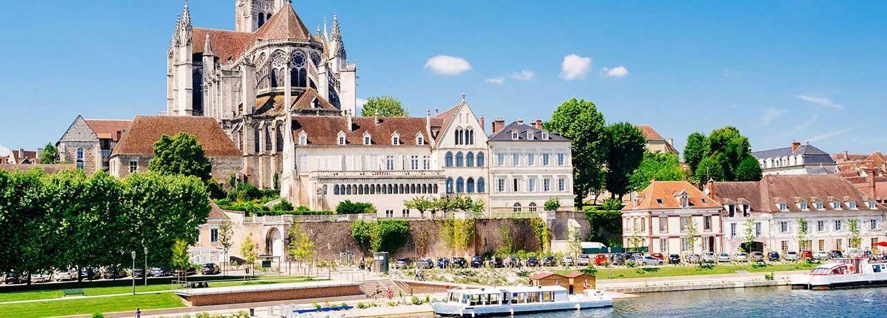 Hôtels Auxerre Kyriad