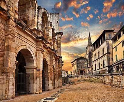 Hôtels Arles Campanile