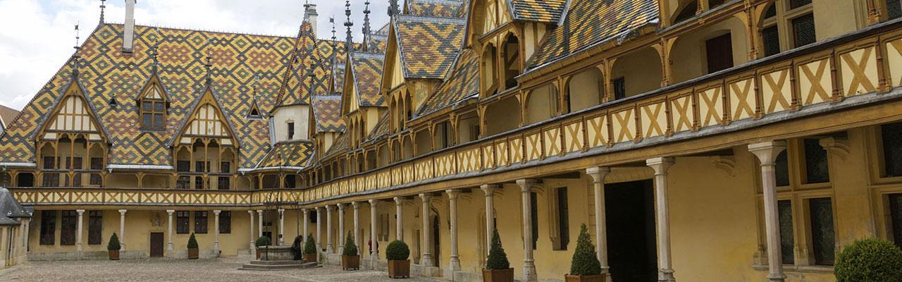 Hôtels Beaune Campanile