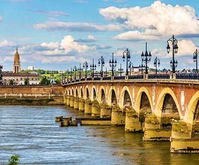 Hôtels Bordeaux Campanile