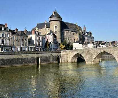 Hôtels Mayenne Campanile