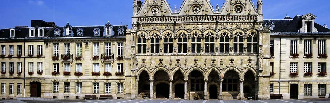 Hôtels Saint Quentin Campanile
