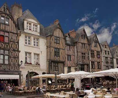 Hôtels Tours Campanile
