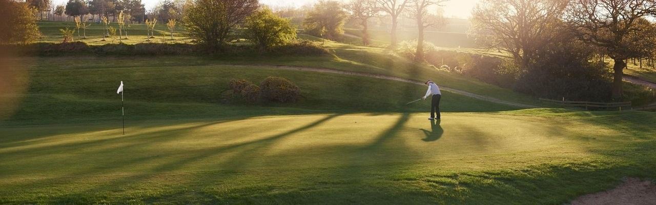 Thématique Golf Campanile