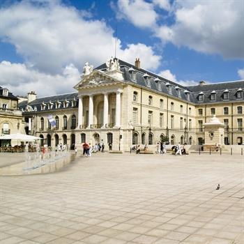 hôtels Campanile Musée des Beaux-Arts de Dijon - Palais des ducs et des Etats de Bourgogne