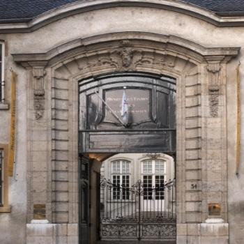 hôtels Campanile Musée des Tissus et des Arts décoratifs