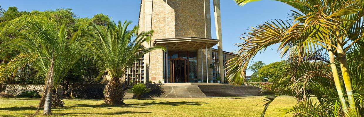 Hotels Golden Tulip in Lusaka
