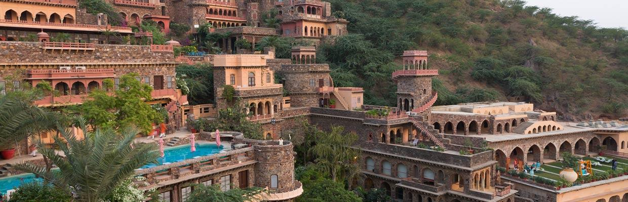 Hotels Golden Tulip in Neemrana
