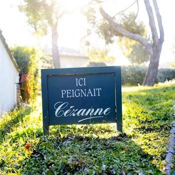 hôtels kyriad aix en provence atelier paul cezanne
