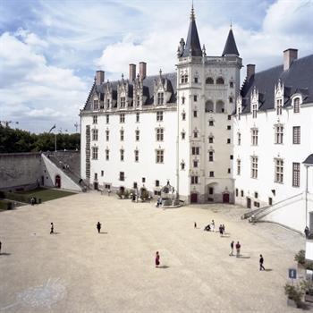 hôtels kyriad nantes chateau des ducs
